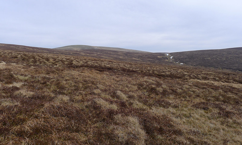 Climbing towards Carn an Fhidhleir