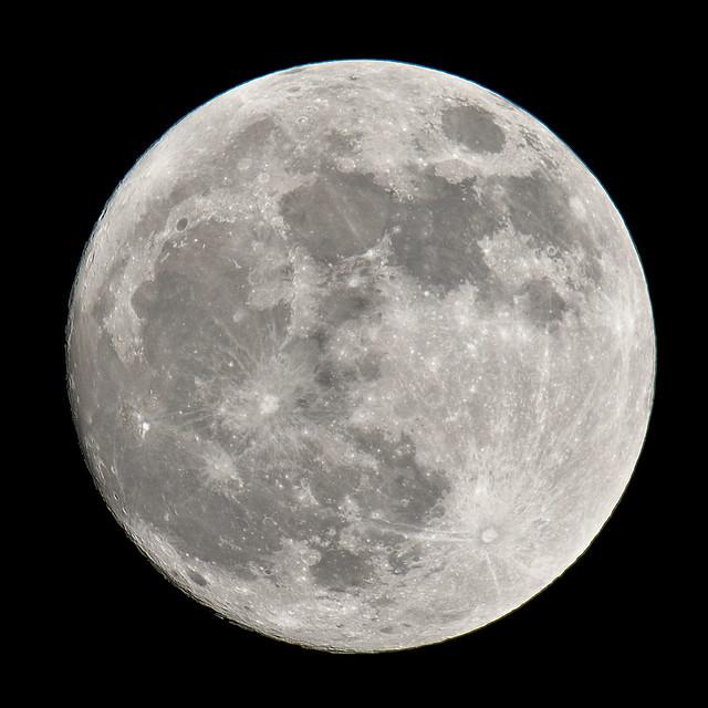 Moon (99.3%)