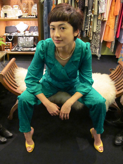 Happening emerald green jumpsuit! Size L/XL. Can be taken in to fit a size M.