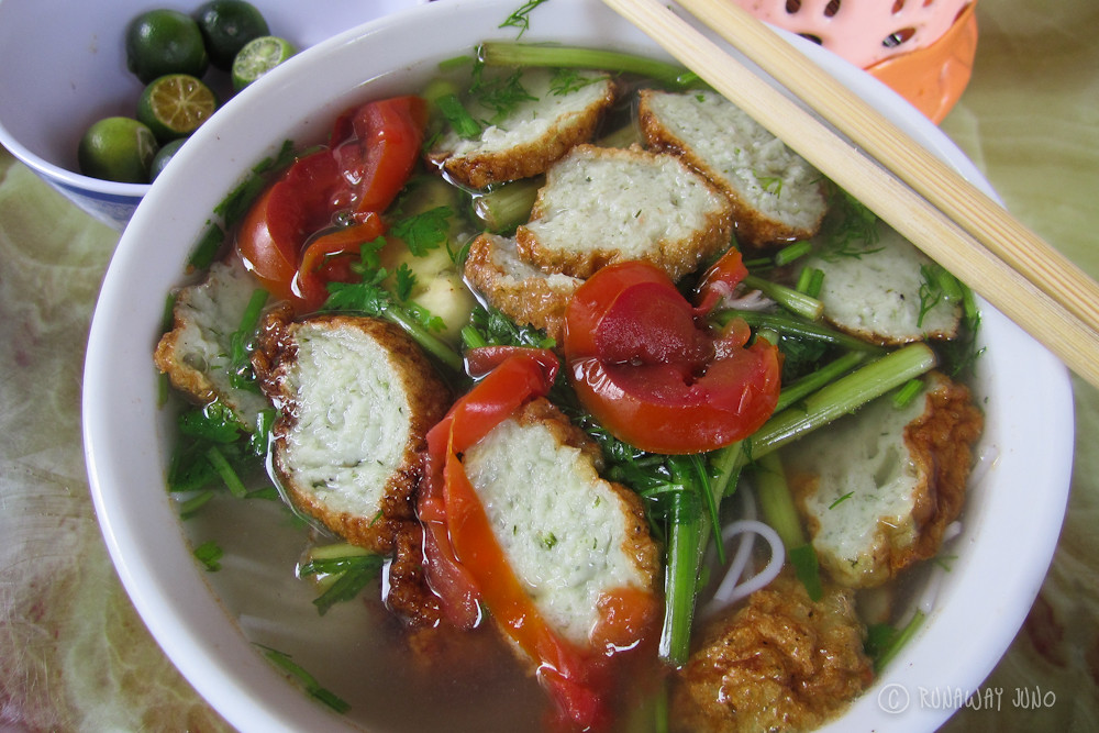 Breakfast Pho with fishballs