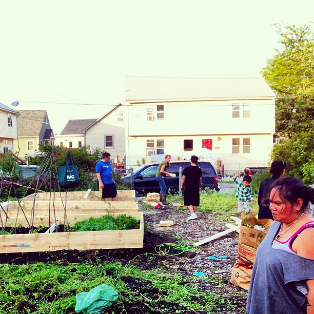 Franklin Court Community Garden Bed Building & Mill City Grows Urban Gardening Workshop