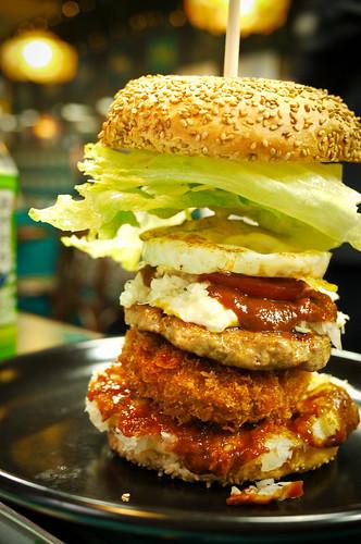 每日限量 20 個的超級大漢堡
