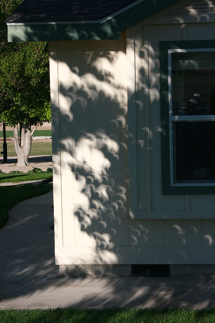 solar eclipse shadows 05