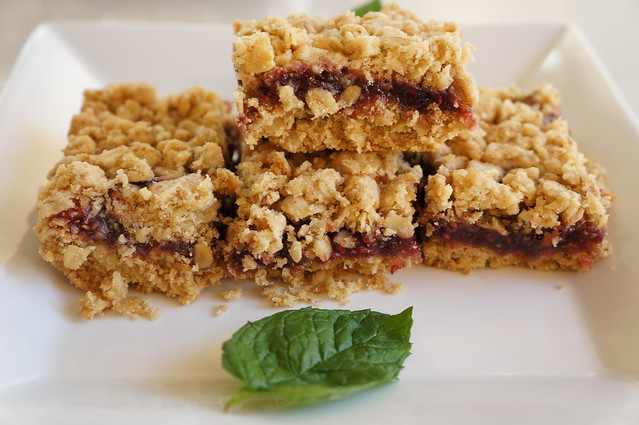 Gluten Free Oatmeal Raspberry Squares | Gluten Free Oatmeal ...