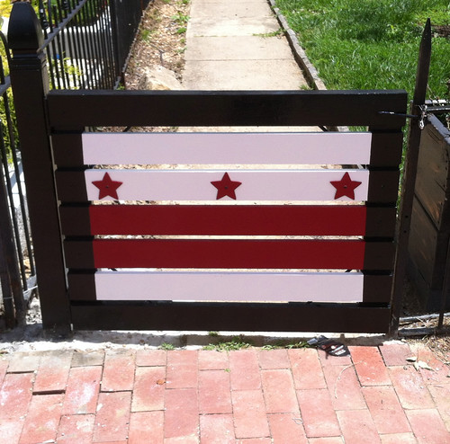 DC flag fence