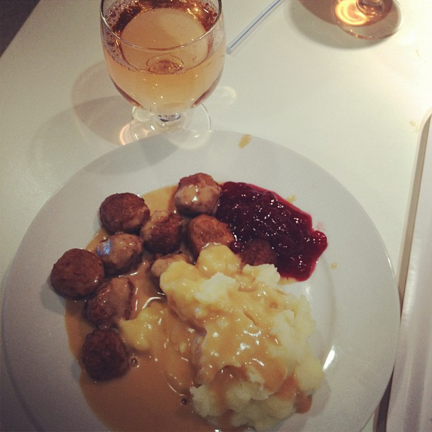 yum! crack meatballs! now with mashed potatoes!