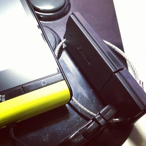 USBメモリ買い替えた。色々あってIS12Tにくっつけることに。