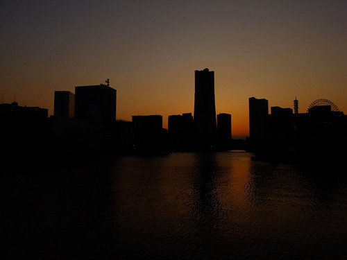 yokohama sunset by owenfinn16
