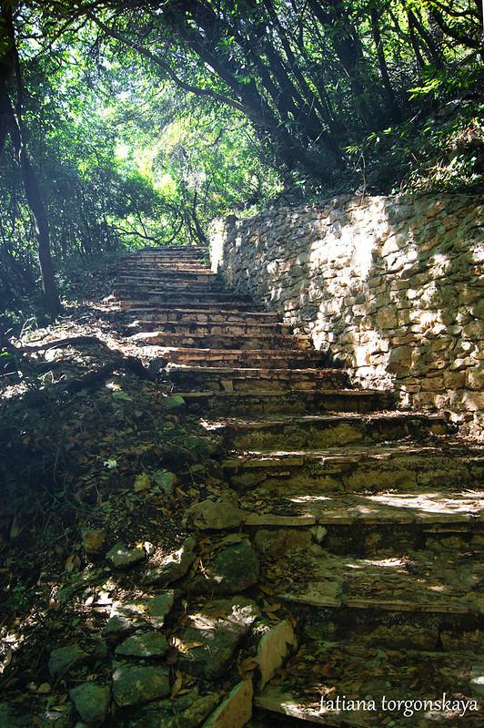 Лестница к верхнему храму