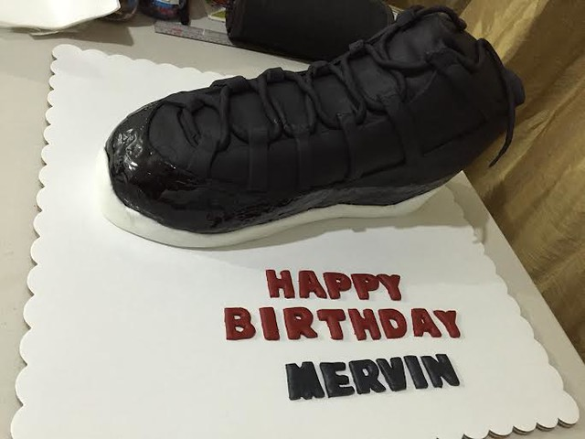 Jordan Rubber Shoe Cake by Vanessa Mendiola of The Party Mom