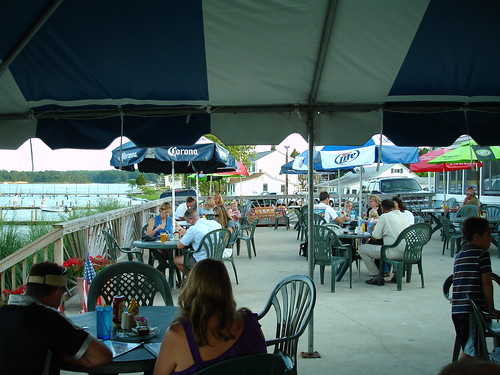 Outdoor Dining, Clarke's Landing Restaurant, Hollywood