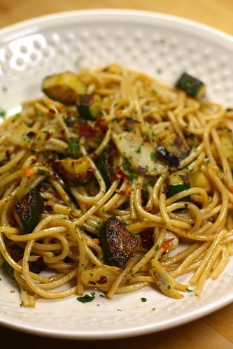 Spaghettis ail piment courgette ma p 39 tite cuisine - Cuisine italienne recette ...