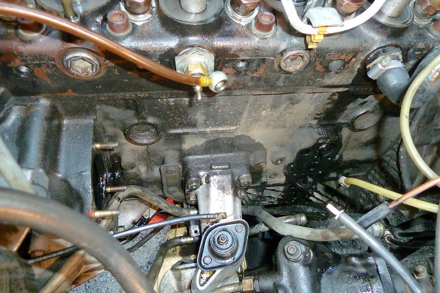 Mercedes benz om617 turbodiesel engine loads of room for Mercedes benz om617