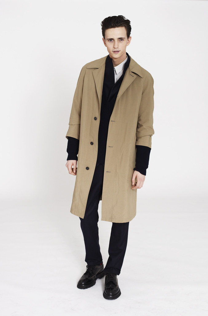 Alex Dunstan0213_Marni F​W12 Lookbook(Fashionisot)