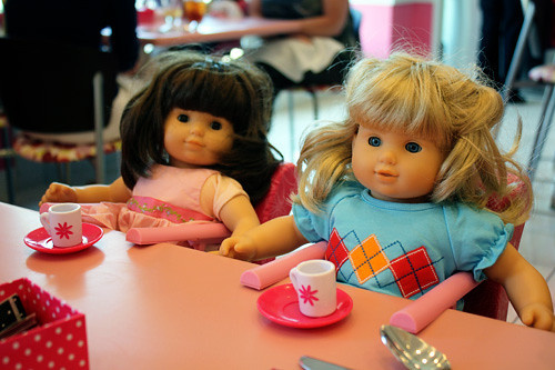 Dolls-at-table