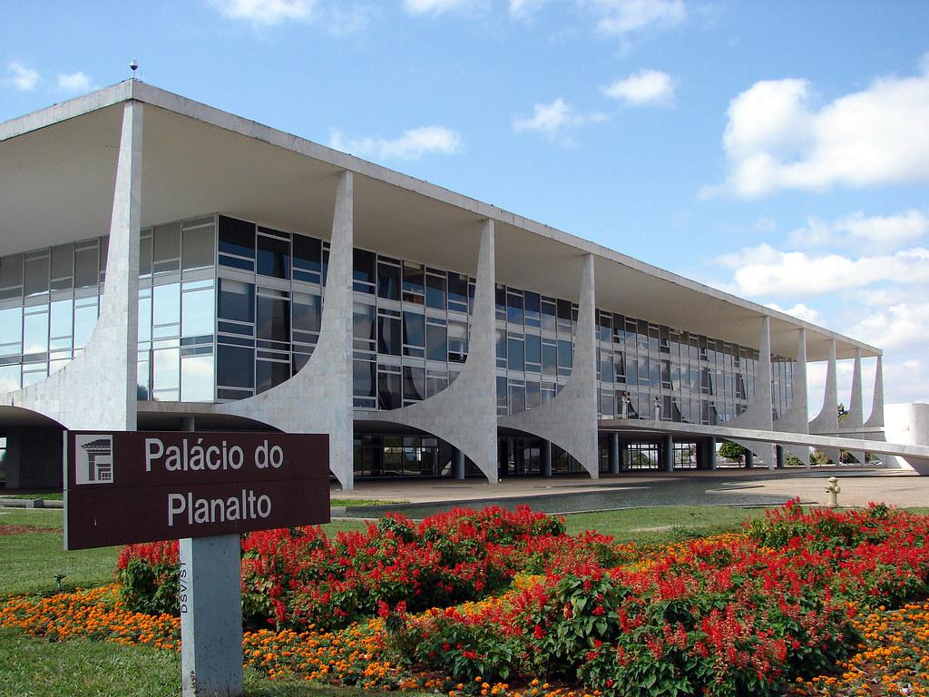 Jair Bolsonaro terá pelo menos 10 mil cargos de livre nomeação no governo, Palácio do Planalto