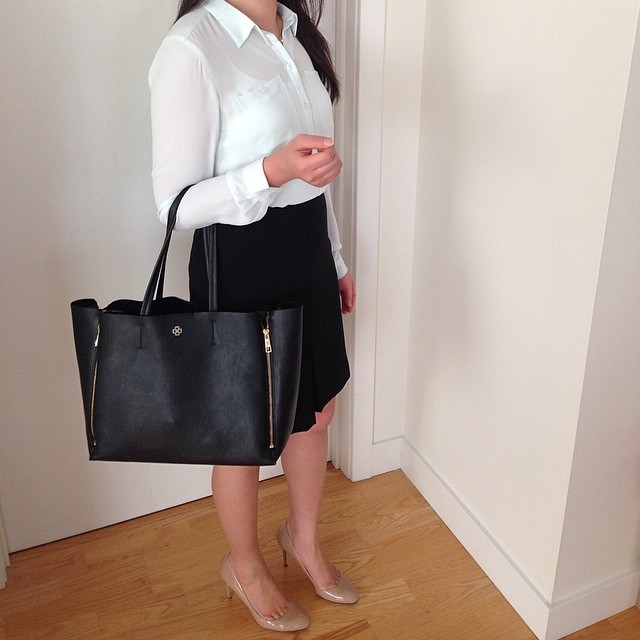 Midweek #ootd: @loftgirl minty blouse and pleated front skirt, @anntaylor gallery bag, @jcrew Sloane patent nude pumps.