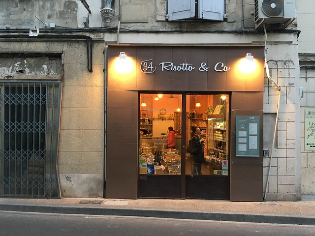 Store front plus expansion space of Risotto & Co Avignon France