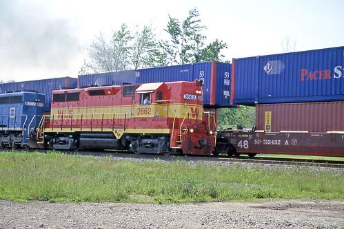 csx sd402 gp35 wheelinglakeerie greenwichohio wle2662 wlemotivepower wle6312 wlelocomotives wheelinglakeerieoncsx