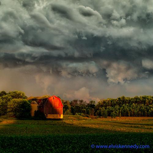100 Days of Summer #35 - Sunset, Storm, Barn