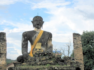 Giant Buddah at Wat Piawat ruins