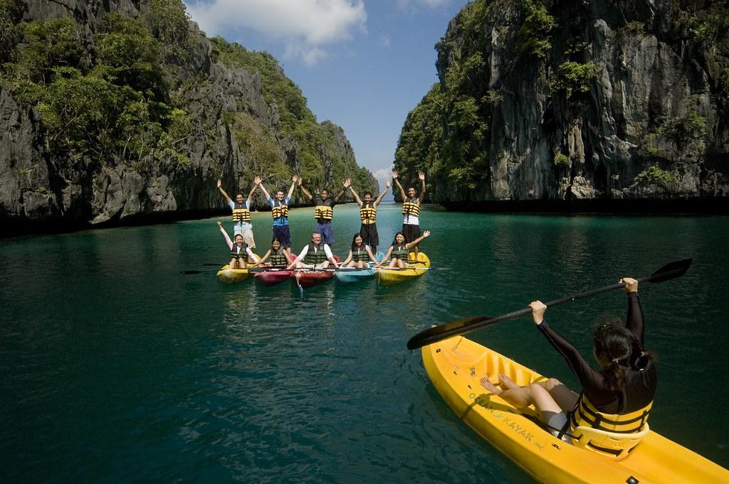 16.El Nido Resorts Activities - Team building at the Big Lagoon