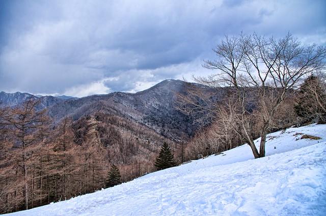 七ツ石山から見た雲取山 with PENTAX K-5