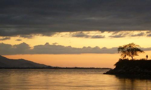 dusk running run timor easttimor beachside timorleste
