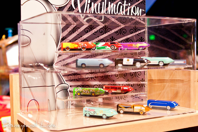 Cars Land / Buena Vista Street AP Merchandise Showcase - Monorail Vinylmation