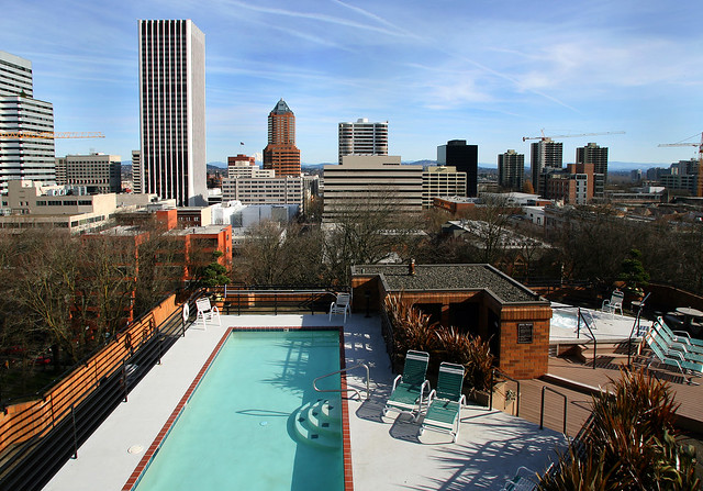 Southpark Square Apartments In Portland Rooftop Pool Flickr Photo Sharing