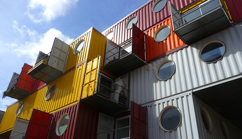 Container City I, London (by: Esther Simpson, creative commons license)