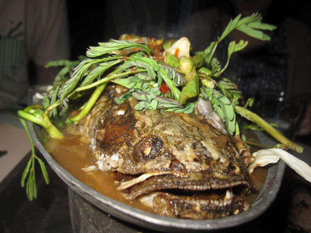 Gaeng Som Pla Chon (Snake Head Fish with Sweet and Sour Soup) แกงส้มปลาช่อน