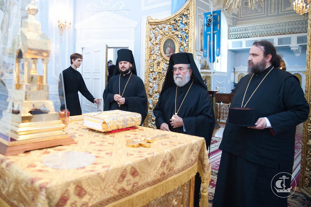 В алтаре храма апостола и евангелиста Иоанна Богослова