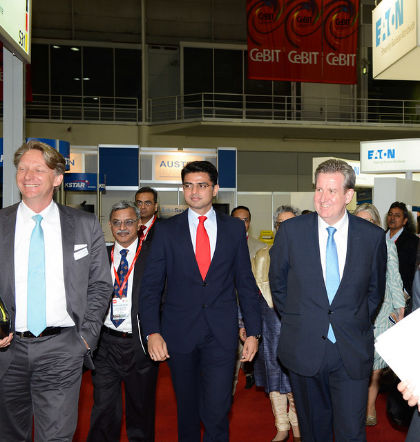 CeBIT 2012 - Showfloor Tours - NSW Premier