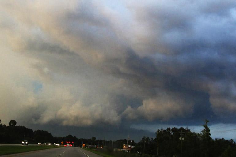 web_wallcloud_tornado-warned_0162