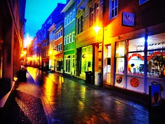 #Rain makes all the colors on this stree in #Eisenach #today.