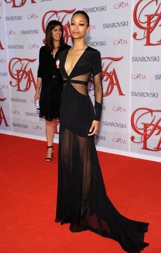 zoe-saldana-cfda-fashion-awards-2012