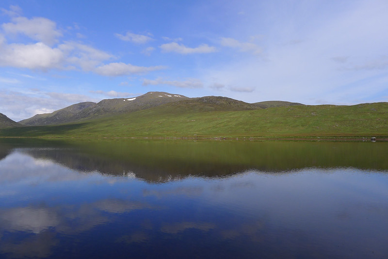 Chno Dearg reflected in Loch Ghuilbinn