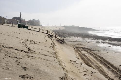 La passerelle nous donne une bonne indication du sable manquant…