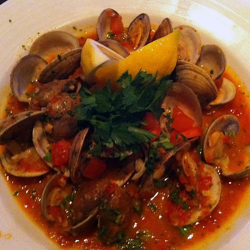 Morro Bay steamed clams