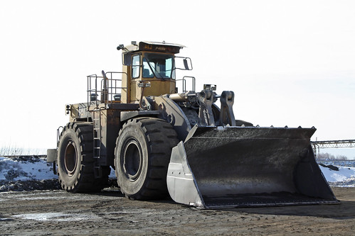 Cat 992C Wheel Loader  by Grant_Halek
