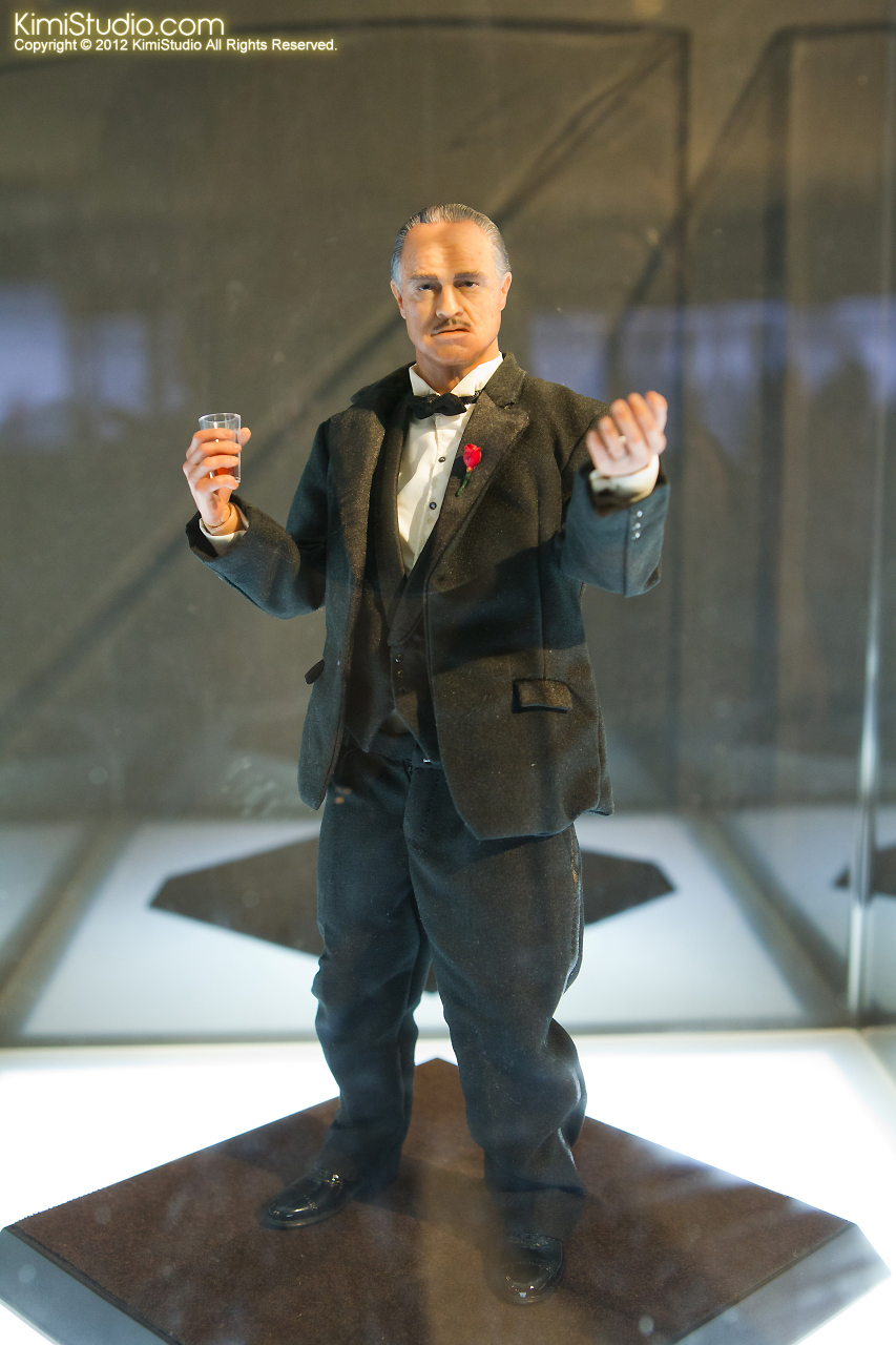 2011.11.12 HOT TOYS-016