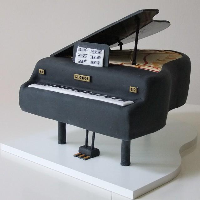 Grand Piano Cake | Flickr - Photo Sharing!