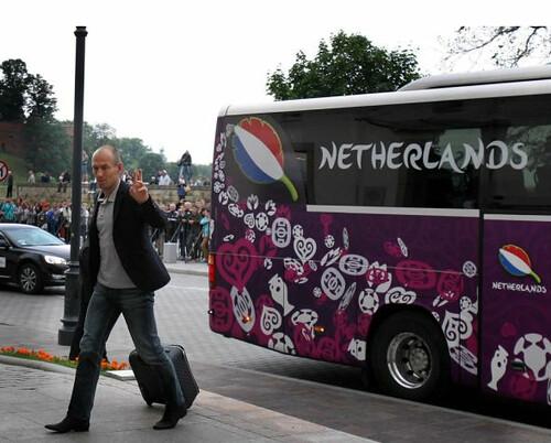 Arjen Robben groet Janus