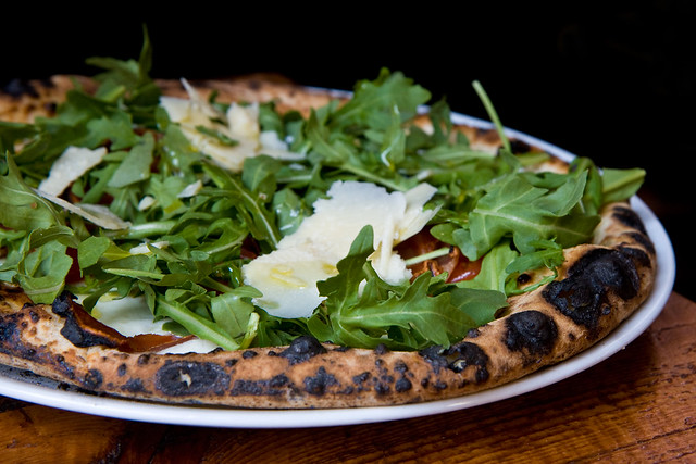 Arugula and prosciutto pizza, Barboncino