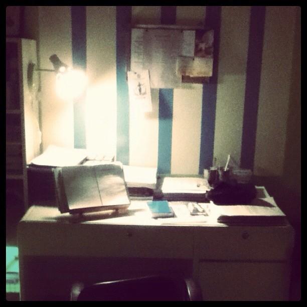 Alvin desk