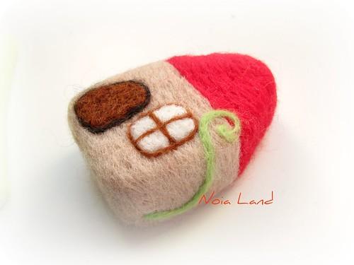 Tutorial: Casita de fieltro. Afieltrar lana sobre base de espuma