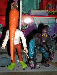 "DARK HORSE COMICS::   ""Flaming Carrot"" Action Figure xxiii / .. with '88 Foot Soldier (( 1999 ))"