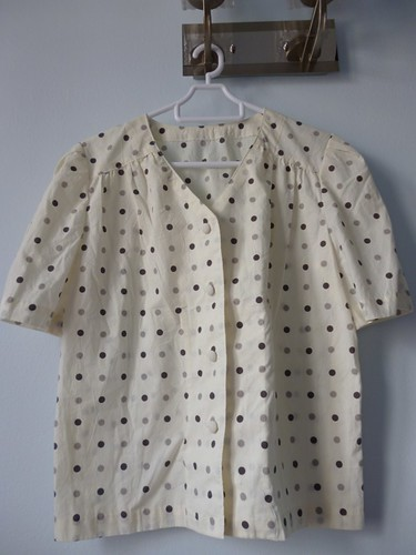 vintage polka dots top 1