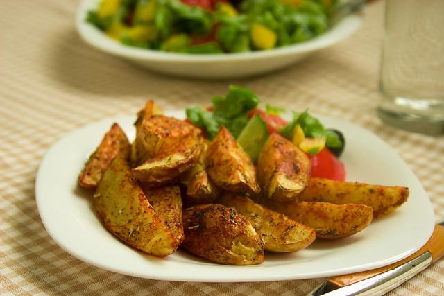 Запечёные картофельные дольки